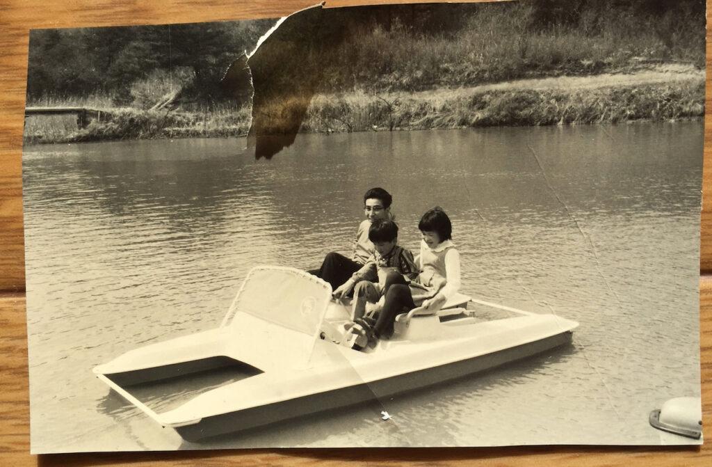 父と姉とボート遊び